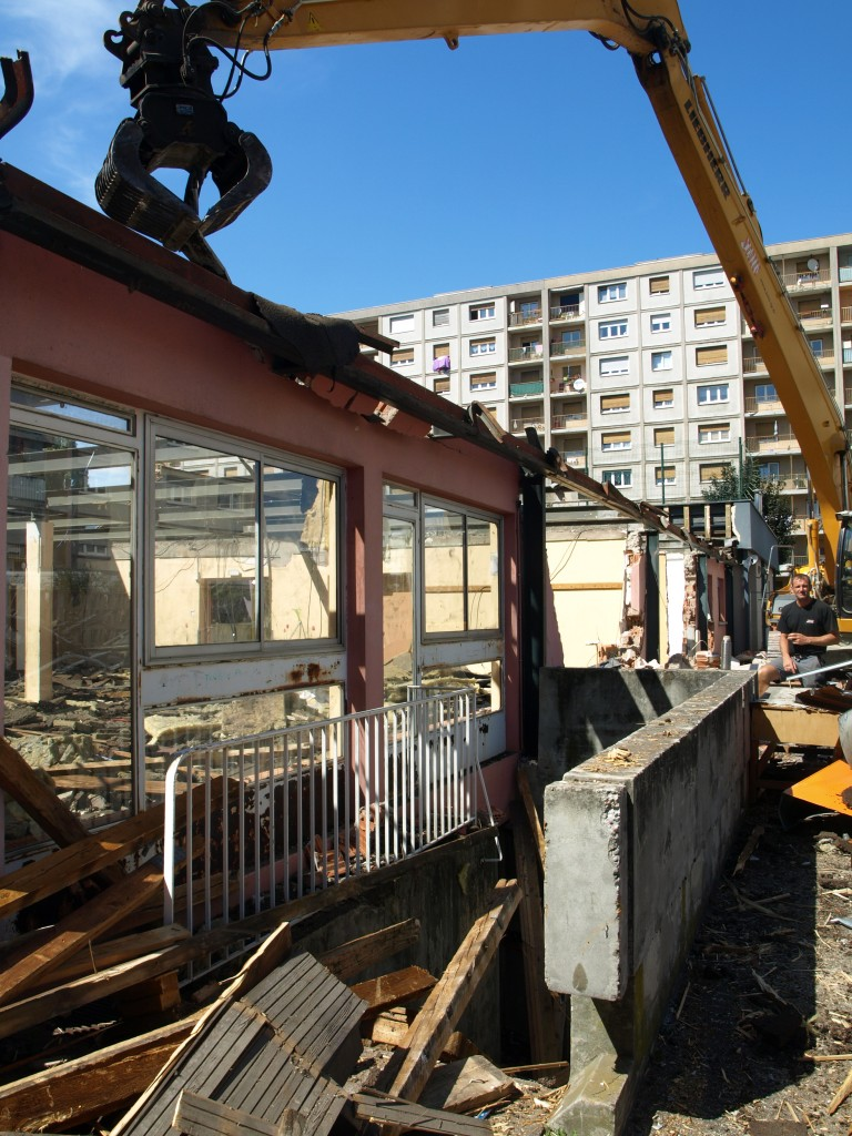 Démolition du centre social et familial Victor Hugo à Schiltigheim